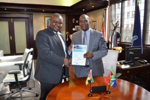 Mayors James Nxumalo and Tagir Carimo Pemba